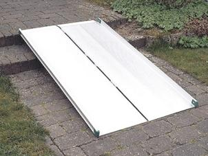 Stepless Wide Folding Ramp (Models 30040-150, 30040-200, 30040-250, & 30040-300)